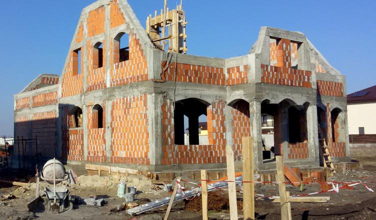 constructii casa transforma